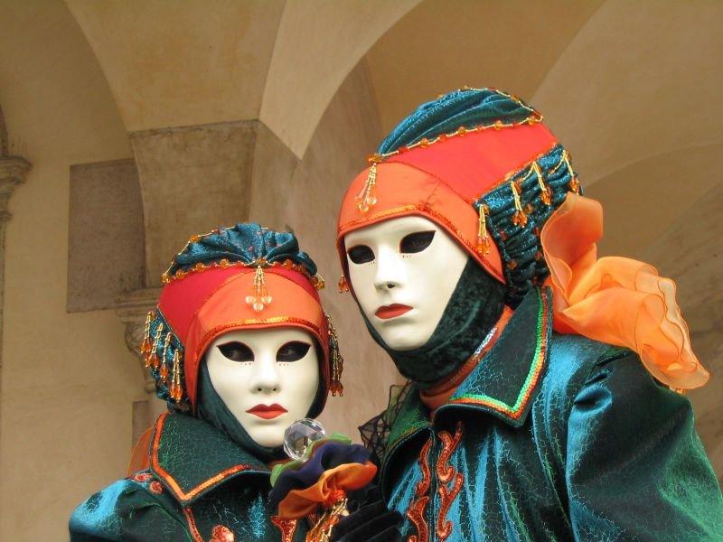 Masque de Venise. dans LES MASQUES. 800px-venezia_carnevale_1