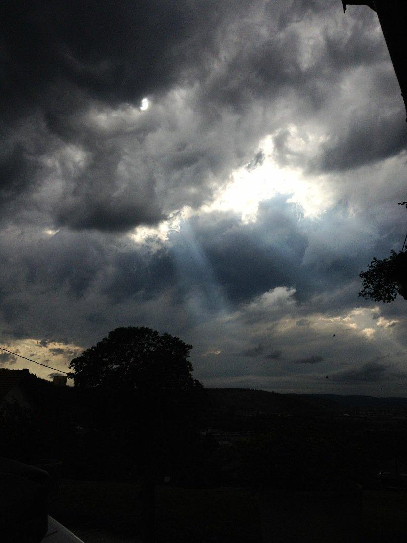 Nuit d'orage. dans AU HASARD D'UNE PROMENADE. AvhiFgNCQAARkb5