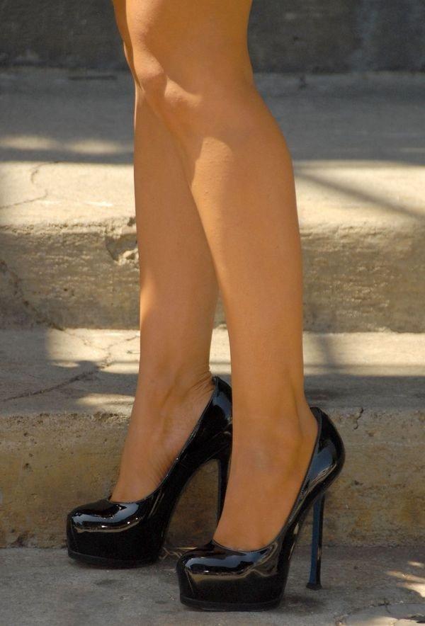 Jambes de femme. dans Jambes de femmes. 21aa64603347431deba3347fffa72b60