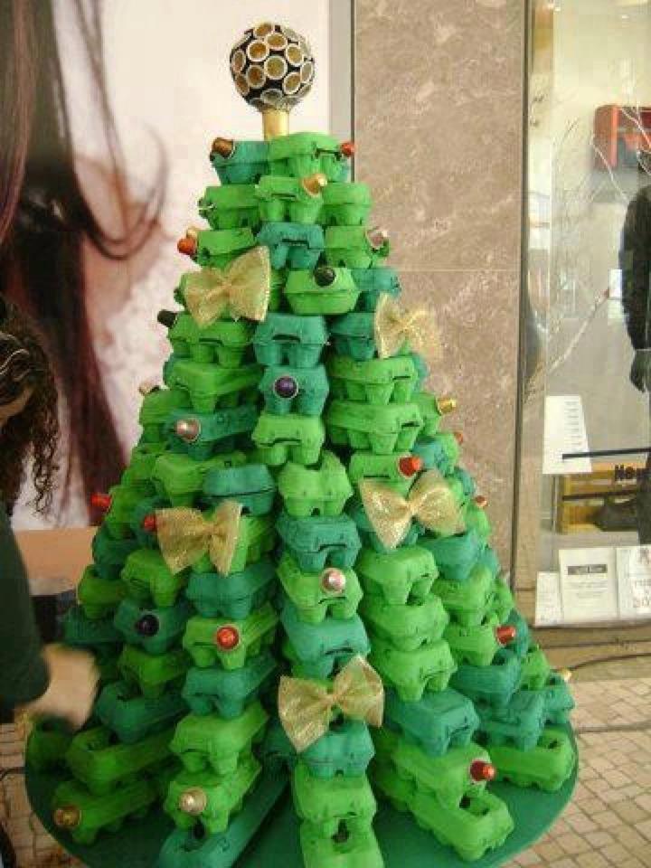 Sapin de Noël. dans Images de Noël. 575202_450441854992261_276799360_n
